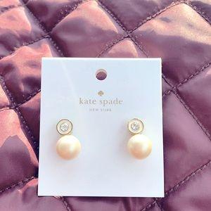 Kate Spade ♠️ NWT pearl earrings!